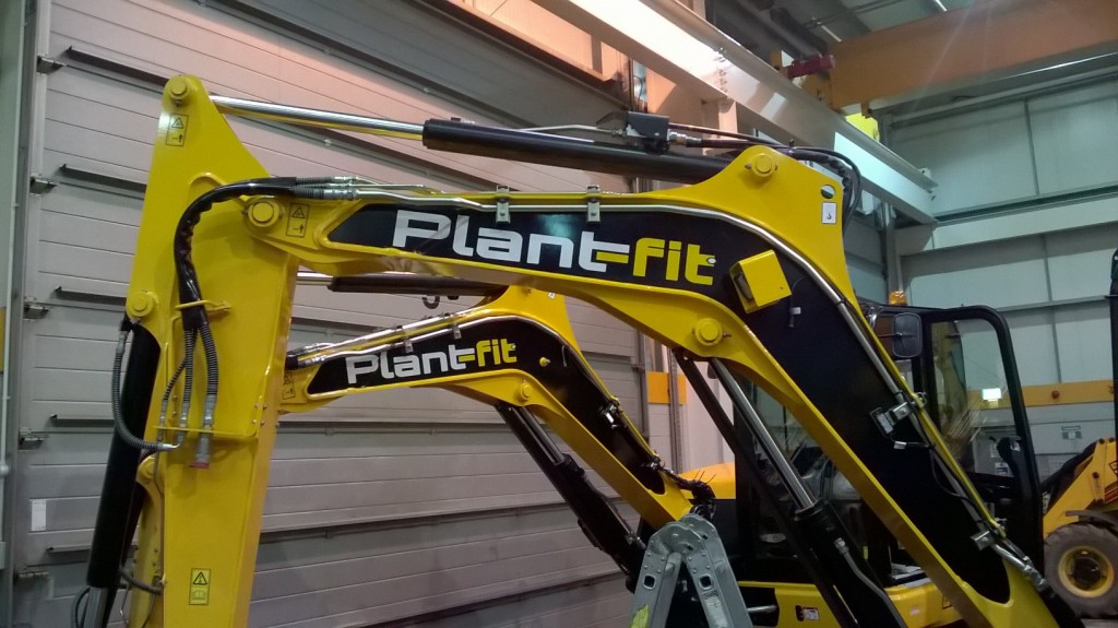 New JCB Excavators with Plant-Fit Sign Writing